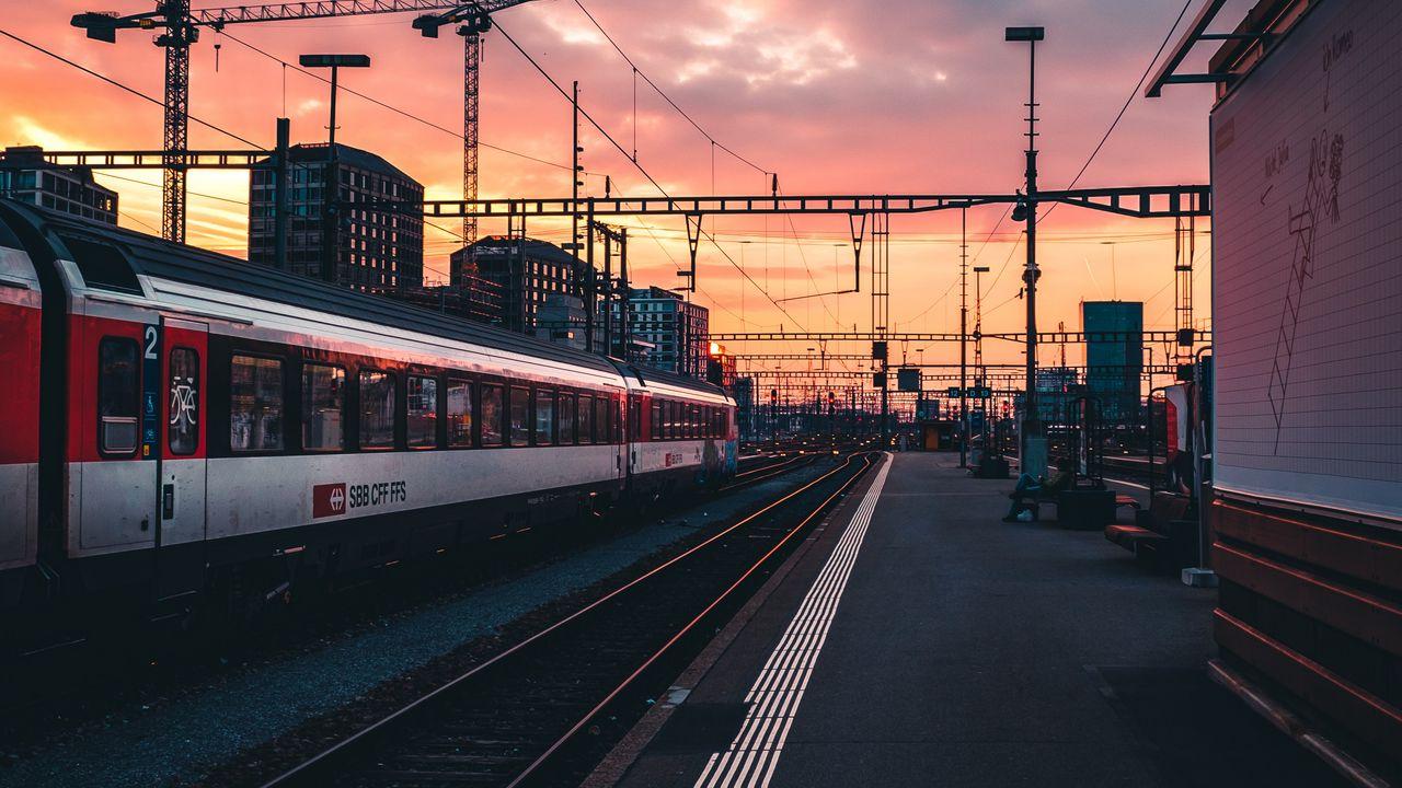 railway_train_station_134586_1280x720.jpg