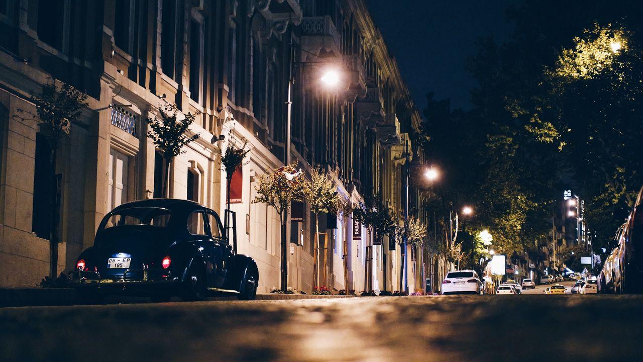 night_city_street_car_113387_1280x720.jpg