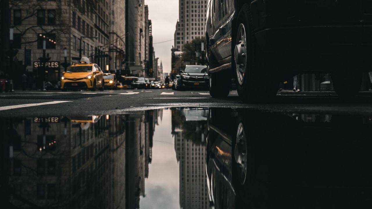 street_puddle_reflection_139688_1280x720.jpg