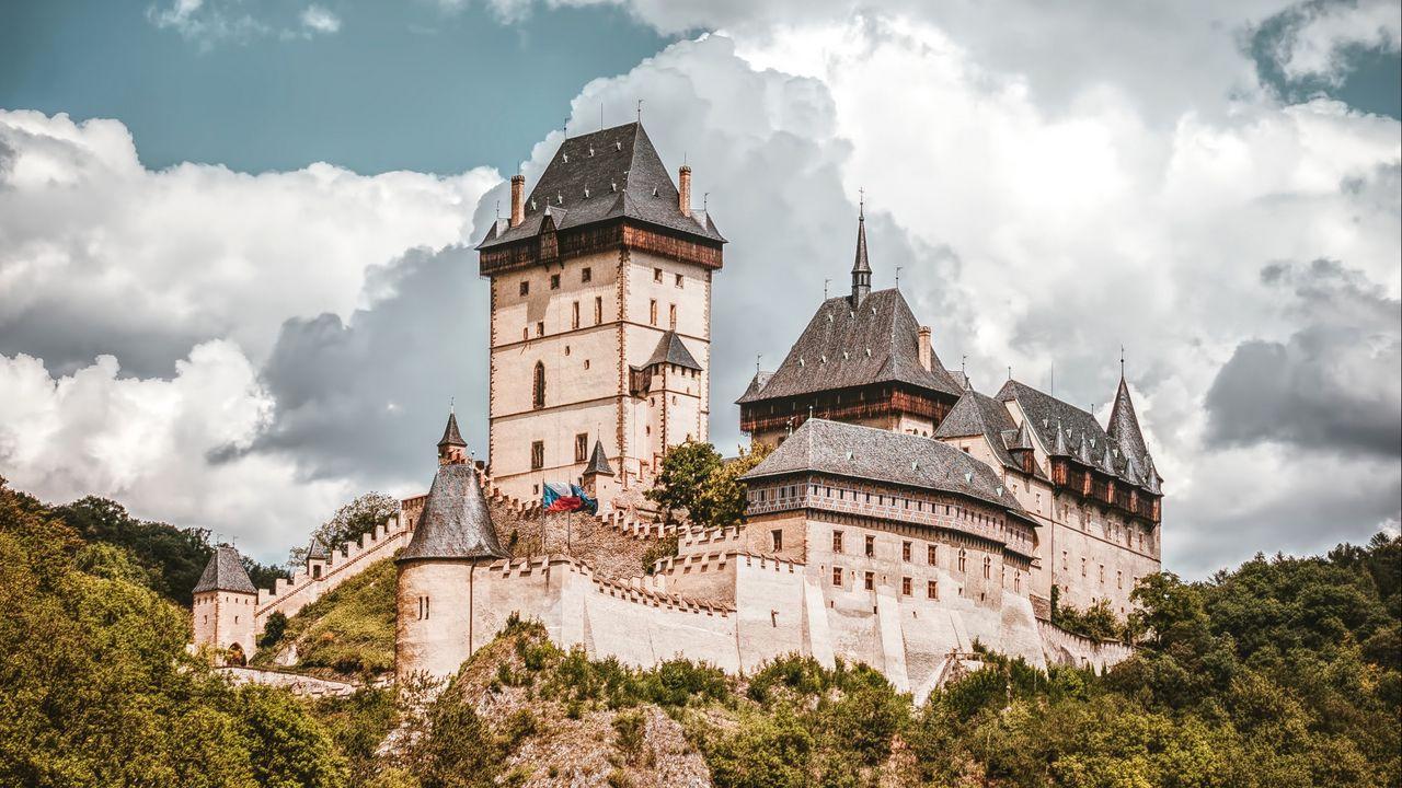 castle_cliff_hill_127420_1280x720.jpg