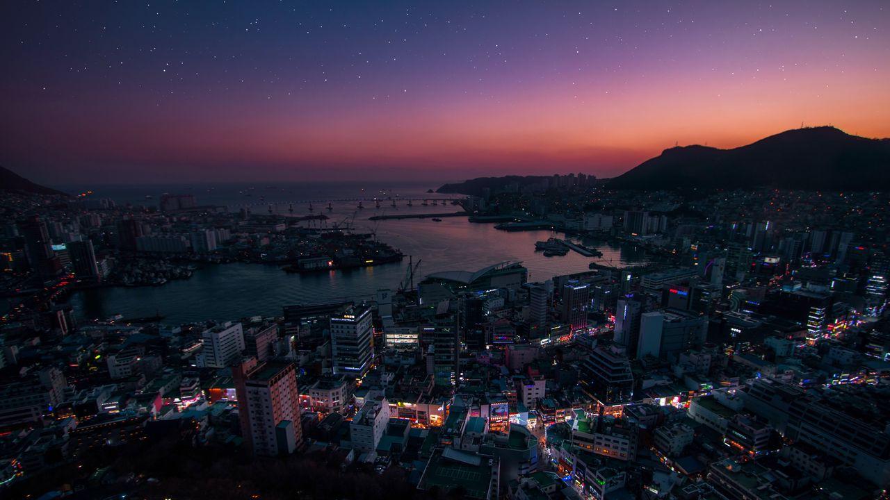 night_city_aerial_view_city_lights_129810_1280x720.jpg