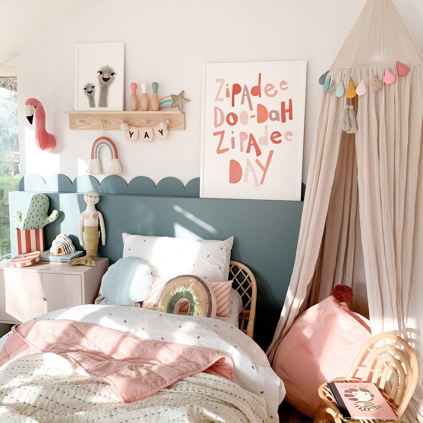-art-prints-felt-flamingo-head-girls-bedroom-ideas.jpg