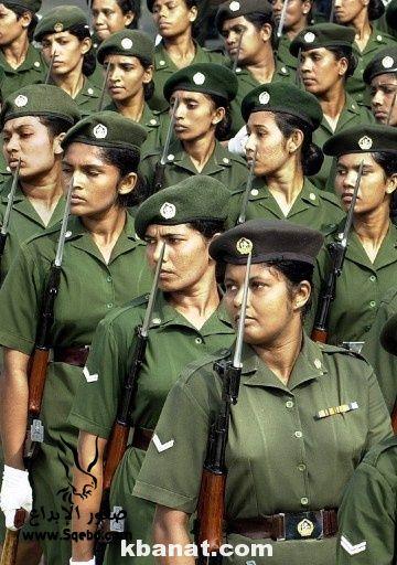 صور بنات بالزي العسكري - بنات مقاتلات - اجمل الفتيات في الزي العسكري 2013_1373812219_161.