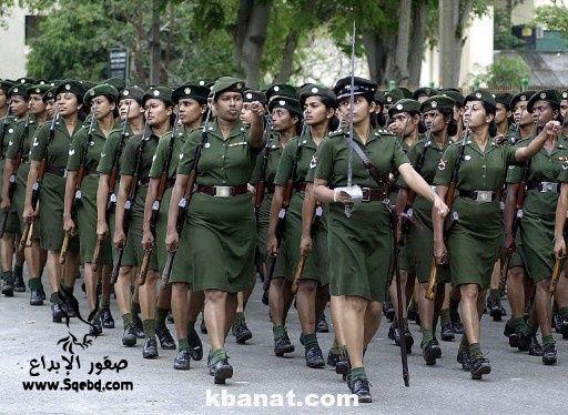 صور بنات بالزي العسكري - بنات مقاتلات - اجمل الفتيات في الزي العسكري 2013_1373812219_409.