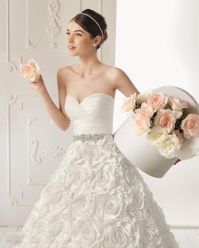 أجمل فستان للزفاف - صور فساتين زفاف 2013_1374706648_718.