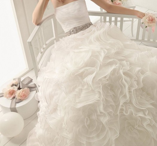 أجمل فستان للزفاف - صور فساتين زفاف 2013_1374706661_235.