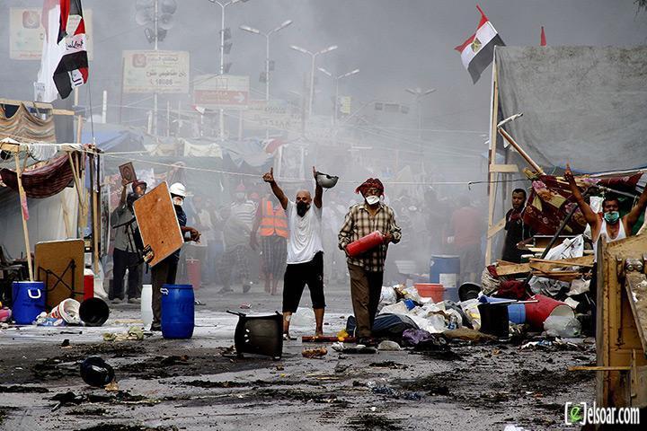 صور الهجوم على رابعة العدوية والنهضة من قبل الجيش - صور فض إعتصام رابعة العدوية والنهضة 2013_1376505177_104.