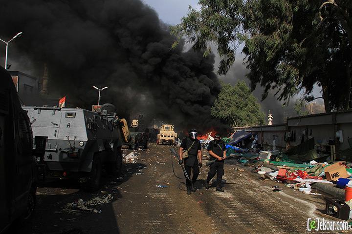 صور الهجوم على رابعة العدوية والنهضة من قبل الجيش - صور فض إعتصام رابعة العدوية والنهضة 2013_1376505177_420.