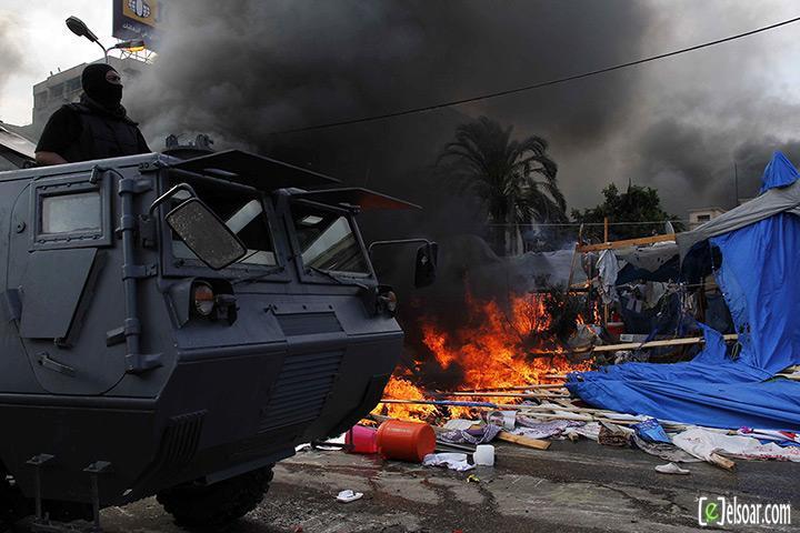 صور الهجوم على رابعة العدوية والنهضة من قبل الجيش - صور فض إعتصام رابعة العدوية والنهضة 2013_1376505177_981.