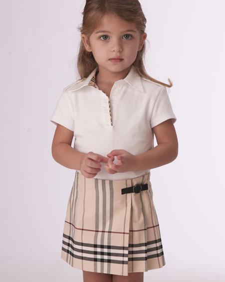 c19ce3251c18c أجمل ملابس اطفال تحفة ، ملابس بنات من بربرى 2019